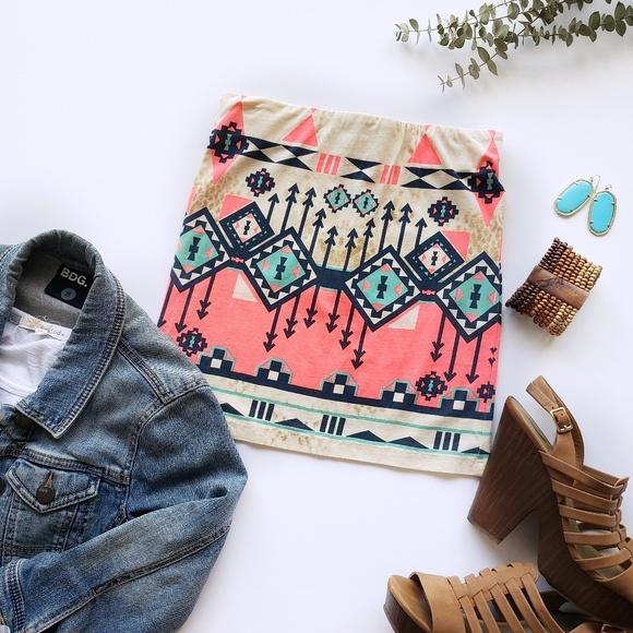 Freeway Dresses & Skirts - Freeway Aztec Printed Mini Pencil Skirt Size Small